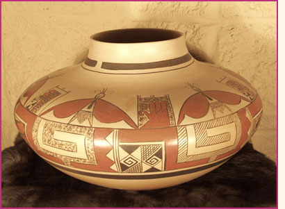 Example of modern Pueblo pottery.